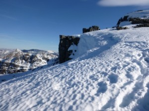 Cracked Cornice above Pinnacle Buttress waiting to fall, sometime!